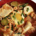 ပဲျပား ကင္ခ်ီ ဟင္းရည္ (Kimchi Soft Tofu Stew with Seafood)