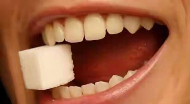 သြားအတြက္ မေကာင္းသည့္ အစားအစာမ်ား
