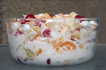 အသီးစံုသုပ္ (Fruit Salad with Yoghurt and Mixed Fruits)