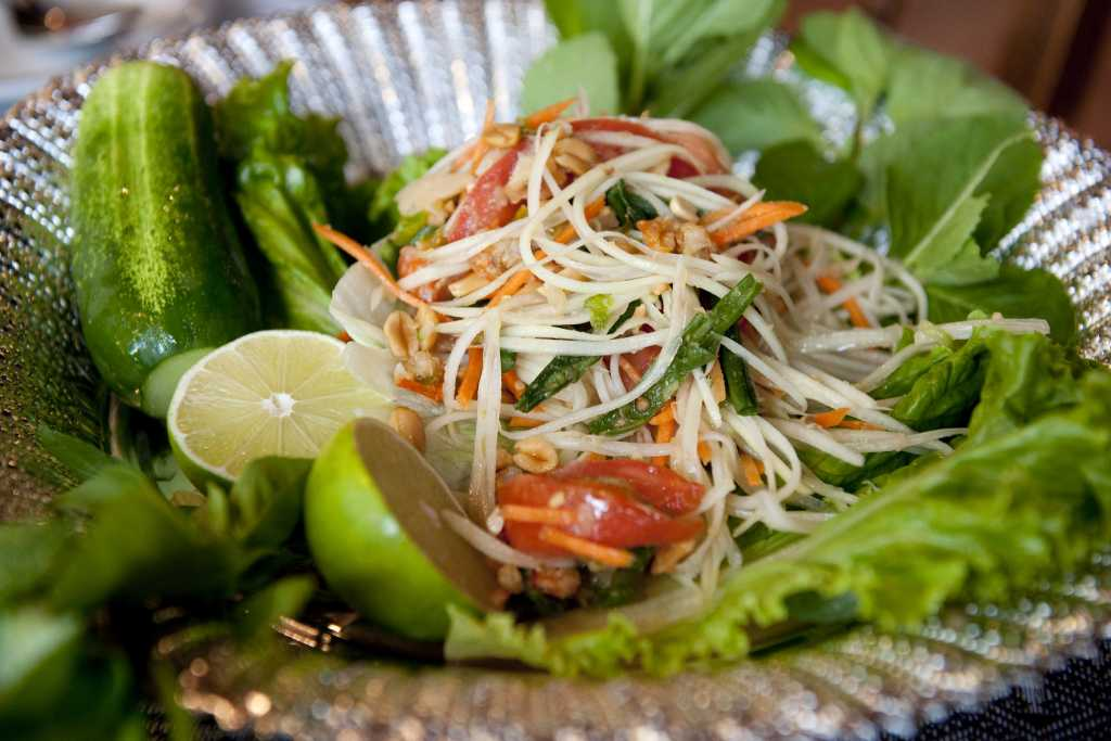 Green-Papaya-Salad-superJumbo