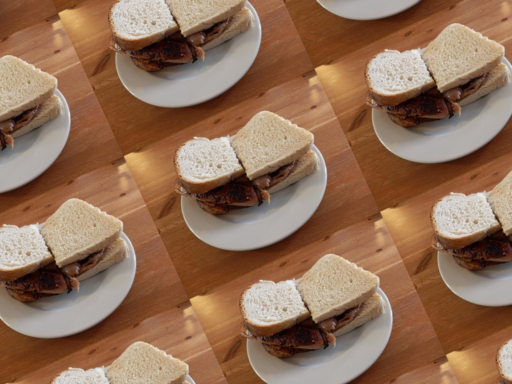 BACON-SANDWICHES