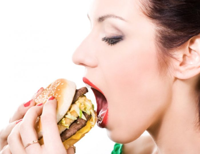 Diet လုပ္တဲ့အခါ အႀကိဳက္ဆံုးအစားအစာေတြနဲ႔ဘယ္လိုလုပ္မလဲ