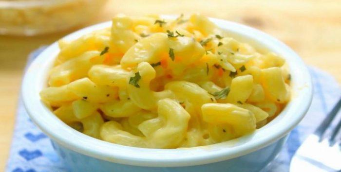 မာကရုုိးနီး အေအးသုုတ္ (Macaroni Salad)
