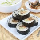 ကိုရီးယား ကင္ခ်ီ ေရညိွ ထမင္းလိပ္ (Kimchi Rolled Rice with Nori Seaweed – Kimchi Kimbap)