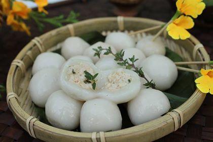Chicken Stuffed Sticky Rice Dumplings