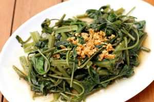 sauteed-greens-with-cannellini-beans-and-garlic