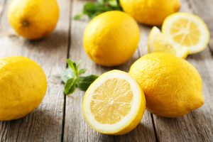 08-dandruff-natural-treatment-lemon