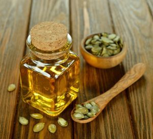 using-pumpkin-seed-oil-for-hair-growth-300x272