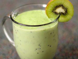 green-monster-kiwi-smoothie
