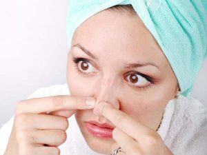 naturally-Remove-blackheads-from-nose