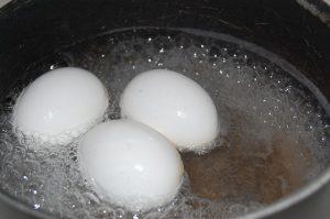 takes-one-boiled-egg-control-sugar-blood-1