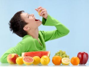 Eating-Citrus-Fruit