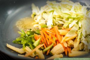 aid1346694-900px-Make-Chinese-Noodles-and-Vegetables-Step-4