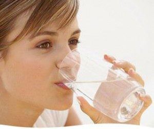 drinking-water-with-sea-salt-300x252