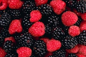 macro raspberries berries blackberry 2911x1954 wallpaper_www.miscellaneoushi.com_4
