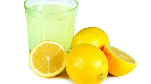 drinking-lemon-juice-for-acne