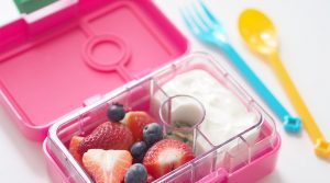 Yumbox-MiniSnack-Lunchboxes-FEATURE-1170x650