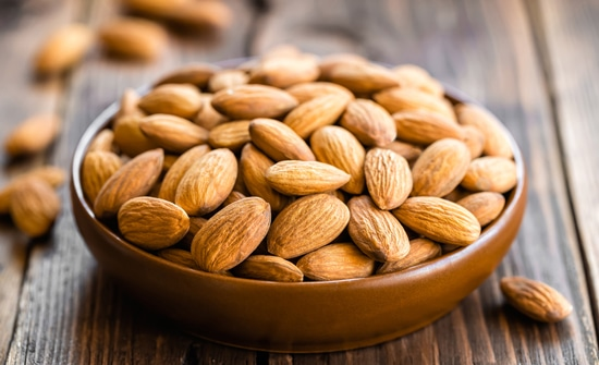 almonds-in-a-bowl-on-wooden-table-max