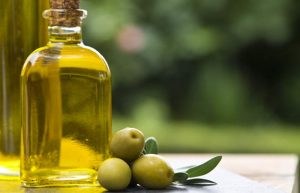 22-Best-Benefits-Of-Olive-Oil-Jaitun-Ka-Tel-For-Skin-Hair-And-Health3