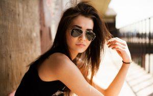 woman-shades-cvr