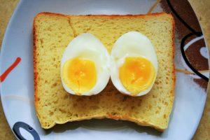 boiled-egg-on-bread