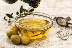 olive_oil_salad_dressing_cooking_olive_healthy_vegetarian_food_diet-853081.jpg!d
