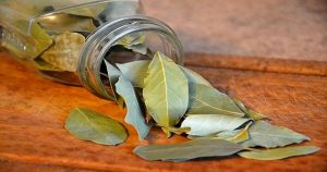 30-burn-bay-leaves-fb-918x482