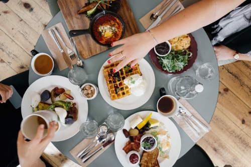 သင့်ရဲ့ ကိုယ်အလေးချိန်လျှော့ချမှုကို ပျက်စီးစေတဲ့ မနက်စာရွေးချယ်မှုအမှားများ